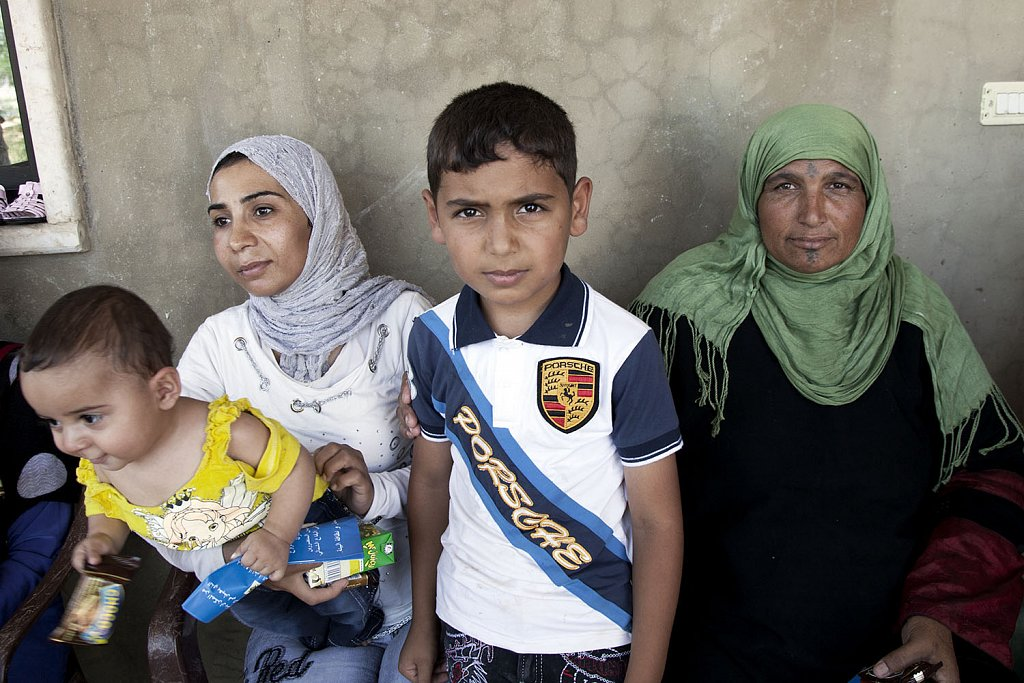 Syrian family in no man´s land (Lebanon-Syrian borders)